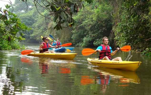 Kayak-at-the-St.-Jacinto-Island-goa